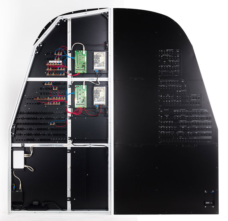 B737NG-Circuit-breakers-wall-captain-side-front+rear-open